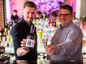 Osm hříchů jižní Moravy. Brněnská destilérka vyrobila gin inspirovaný vůněmi Pálavy