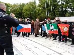VIDEO: Na Moravu přijeli Putinovi Noční vlci. V Brně se střetli s odpůrci