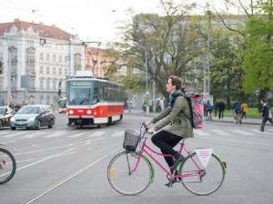 Brno letos žádné velké kroky na pomoc cyklistům nechystá. Budou se malovat pruhy a instalovat cedule