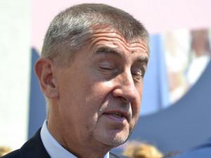 Potravinová soběstačnost Česka je katastrofální, prohlásil v Brně Babiš. Podle Tomana je řepka prospěšná