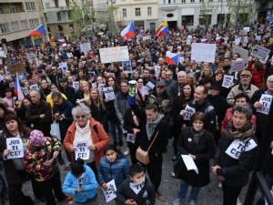 Brnem prošla třetí vlna demonstrací proti Marii Benešové a Andreji Babišovi