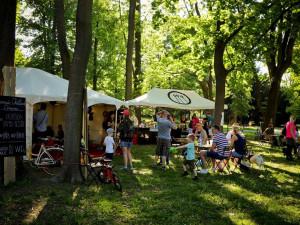 Bez plotů a vstupenek! Nejkrásnější brněnský park bude o víkendu hostit rozmanitý PonavaFest
