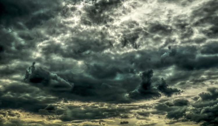 POČASÍ NA ČTVRTEK: Přes den zataženo a večer přijdou bouřky