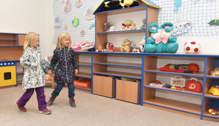 Kvůli vysoké porodnosti hrozí v Brně nedostatek míst ve školkách. Město chce postavit nové