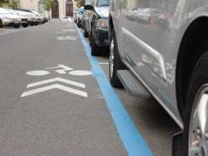 Rezidentní parkování bude od konce září levnější a přinese nová pravidla