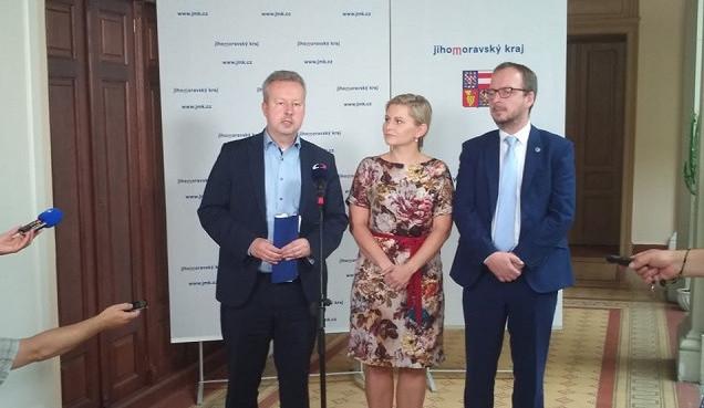 Ministr životního prostředí zamířil na jižní Moravu. Na boj se suchem uvolní 2,5 miliardy korun