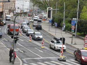 Překračování limitů oxidu dusičitého město řeší. Problémem jsou přetížené komunikace
