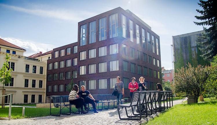 Letní výuka češtiny čeká v Brně 135 studentů ze 42 zemí