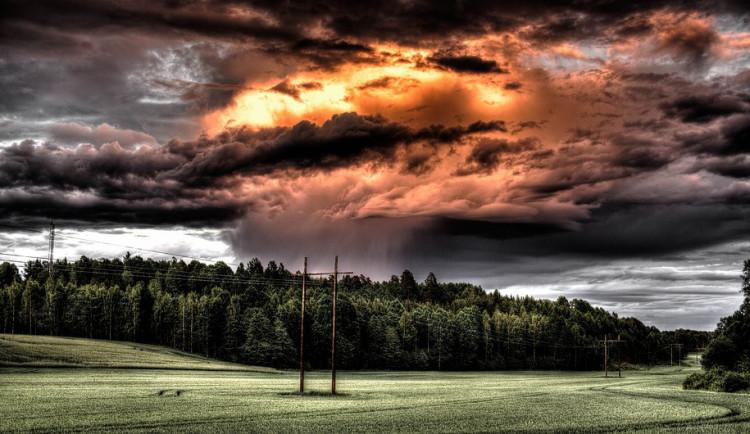 POČASÍ NA PÁTEK: Konec týdne přinese převážně jasnou oblohu a velmi vysoké teploty, může ale i zapršet