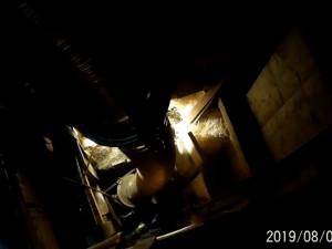 VIDEO: Hasiči se po dlouhých 55 hodinách dostali k muži zavalenému ve studni. Lékař jen konstatoval smrt