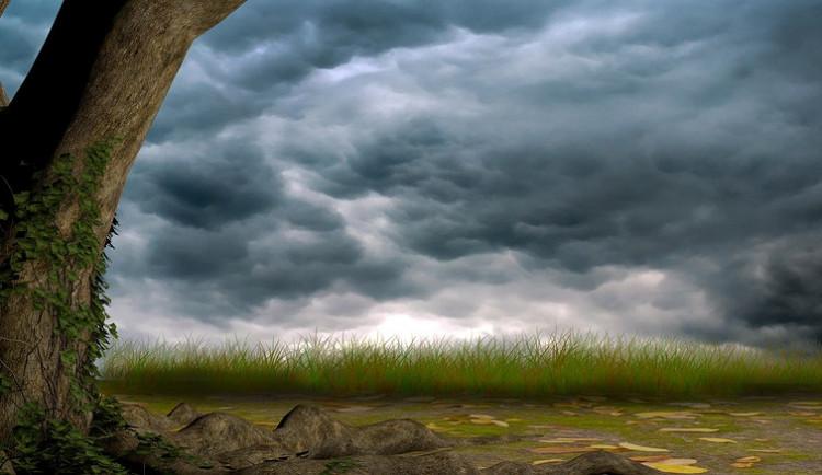 POČASÍ NA SOBOTU: Teploty kolem třicítky, přeháňky a bouřky. Sobota bude teplá a deštivá