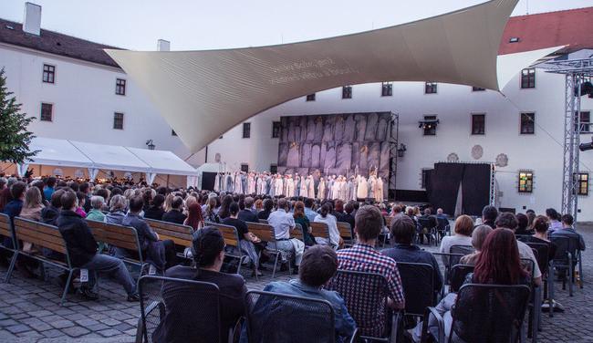 Špilberk se od úterý opět rozezní operou. Národní divadlo zahájí sezónu představením Carmen
