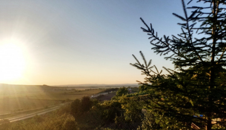 POČASÍ NA STŘEDU: Polojasno a příjemné teploty, které nepřesáhnou pětadvacítku – tak bude vypadat středa na jižní Moravě