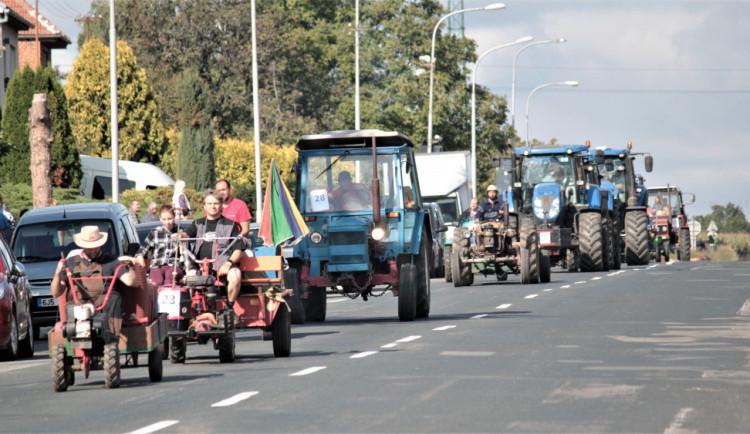 Nejmenší vesnice jižní Moravy uspořádala největší traktoriádu. V Kašnici se sešly stovky nadšenců