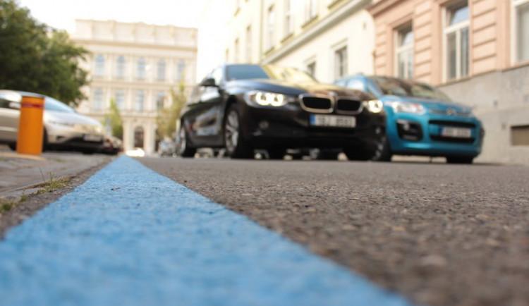 Ode dneška se mění pravidla rezidentního parkování. Rezidenti ušetří