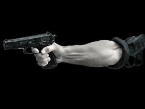 Trenér plavání dostal za střelbu v sebeobraně před školou v Brně podmínku. Musí zaplatit tři čtvrtě milionu
