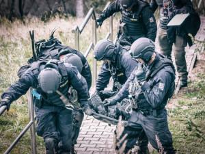 Jihomoravská zásahová jednotka je nejlepší v republice. V Policejním mistrovství ČR se utkali i se Slovenskými a Německými kolegy