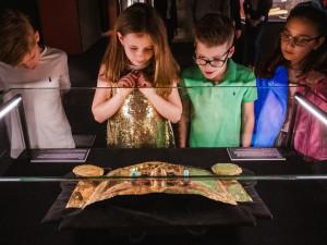 FOTO: Do Brna míří zlatý poklad Inků. Unikátní výstava nabídne příběhy i pravé peruánské artefakty
