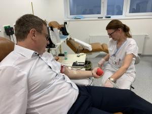 Nemocnice u sv. Anny má nové místo na odběr krve. Podpořit jej přijeli hokejisté i ředitel