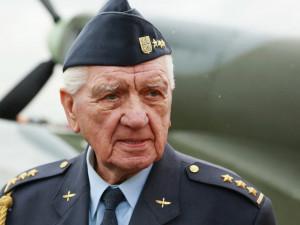 Legendární válečný letec Emil Boček leží v brněnské fakultní nemocnici