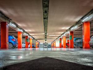 Bystrc plánuje vybudovat parkovací dům za desítky milionů, chybí parkovací místa