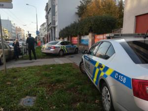 Střelba na Palackého třídě v Brně. Na místě zůstala mrtvá žena a zraněný muž, policie zajistila zbraň