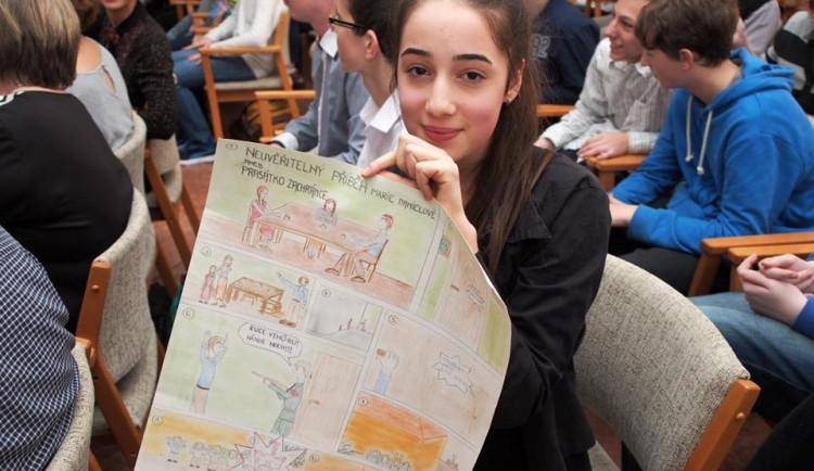 Brněnští žáci vytvářejí reportáže o životě pamětníků