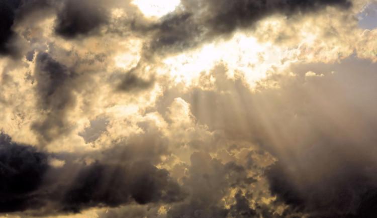POČASÍ NA PONDĚLÍ: Čeká nás zataženo a občasný déšť