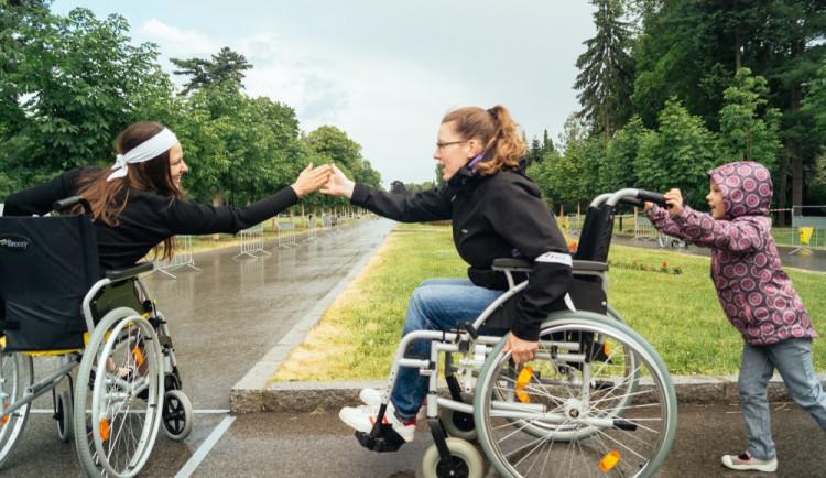 V Brně natáčejí videoprůvodce pro vozíčkáře po veřejných budovách