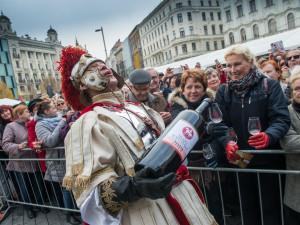 FOTO: Do Brna přijel svatý Martin. Zahájil týdenní slavnosti vína