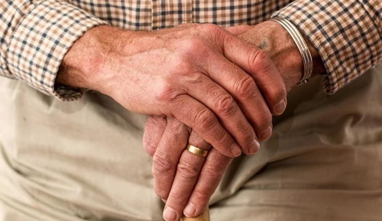 Seniorská obálka pomohla důchodci vrátit se domů