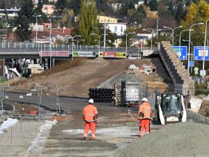 Řidičům v Brně se po opravách v obou směrech opět zprovozní most na Kníničské