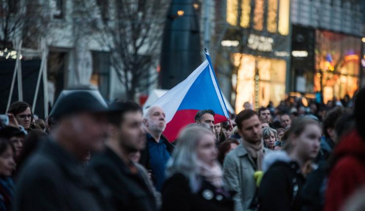 FOTO: Na Svoboďáku se zvonilo klíči. Brňané dnes oslavovali třicet let svobody