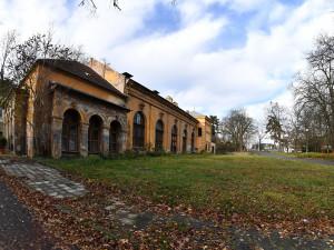 Nevyužívaný vojenský areál v Pisárkách převzalo Brno. Bude z něj sportoviště za tři sta miliónů