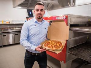 FOTO: Legendární americká pizza v Brně! Domino's otevřela rovnou dvě pobočky