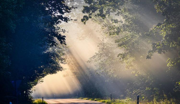 POČASÍ NA NEDĚLI: Pochmurné počasí si dá konečně pauzu