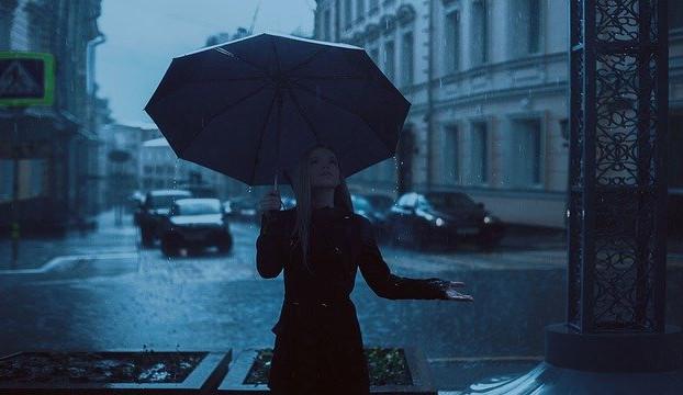 POČASÍ NA PÁTEK: Během dne bude oblačno, odpoledne zaprší