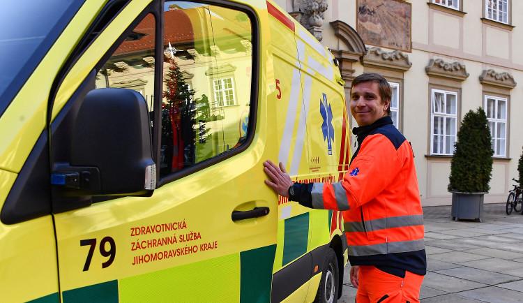 Záchranáři dostali od Brna našlapanou sanitku za čtyři miliony. Budou následovat další