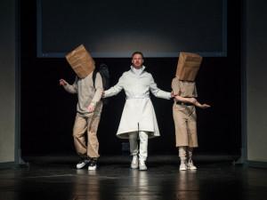 Něco mezi Shakespearem a Planetou opic. Národní divadlo uvede hravou inscenaci Mars