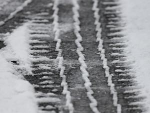 V Jihomoravském kraji náledí komplikuje provoz. Devět nehod za půl hodiny