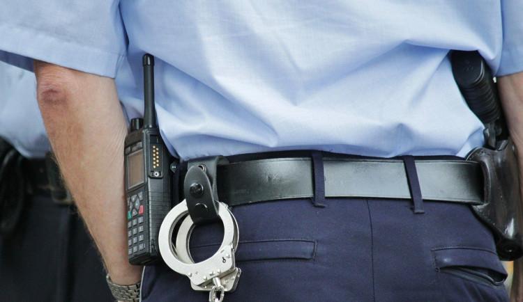 Strážník v době volna zastavil opilého řidiče. Muže předal kolegům v práci