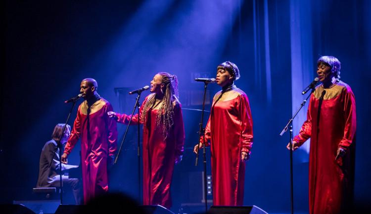 Jedinečný zážitek před Vánoci? Do Brna míří legendární americký gospel pod vedením Stelly Jones