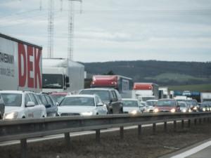 Na 190. kilometru D1 havarovala 4 osobní auta, dálnice je zatím neprůjezdná