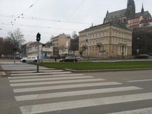 Brno zruší přechod na křižovatce Nových sadů a Hybešovy. Pro chodce je prý nebezpečný
