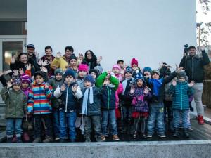 Mladí studenti z Brna udělali sbírku a vzali děti z dětských domovů do kina na Ledové království