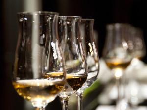 Strážníci opilého prodejce vína upozornili, aby neřídil. Radu neuposlechl, daleko nedojel