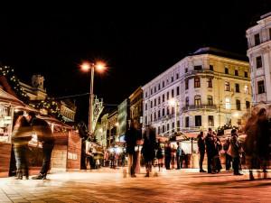 Silvestr v Brně: živá hudba, videomapping a stánky otevřené do desíti večer