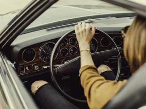 Po okolí se prohání zdrogovaná řidička. Bez řidičáku a s dávkou pervitinu v těle opakovaně sedá za volant