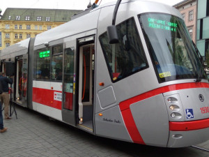 Černých pasažérů v Brně ubývá. Nejčastěji bez jízdenky vyjedou mladí lidé