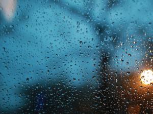 POČASÍ NA STŘEDU: Teploty těsně nad nulou, může se objevit i mrznoucí déšť